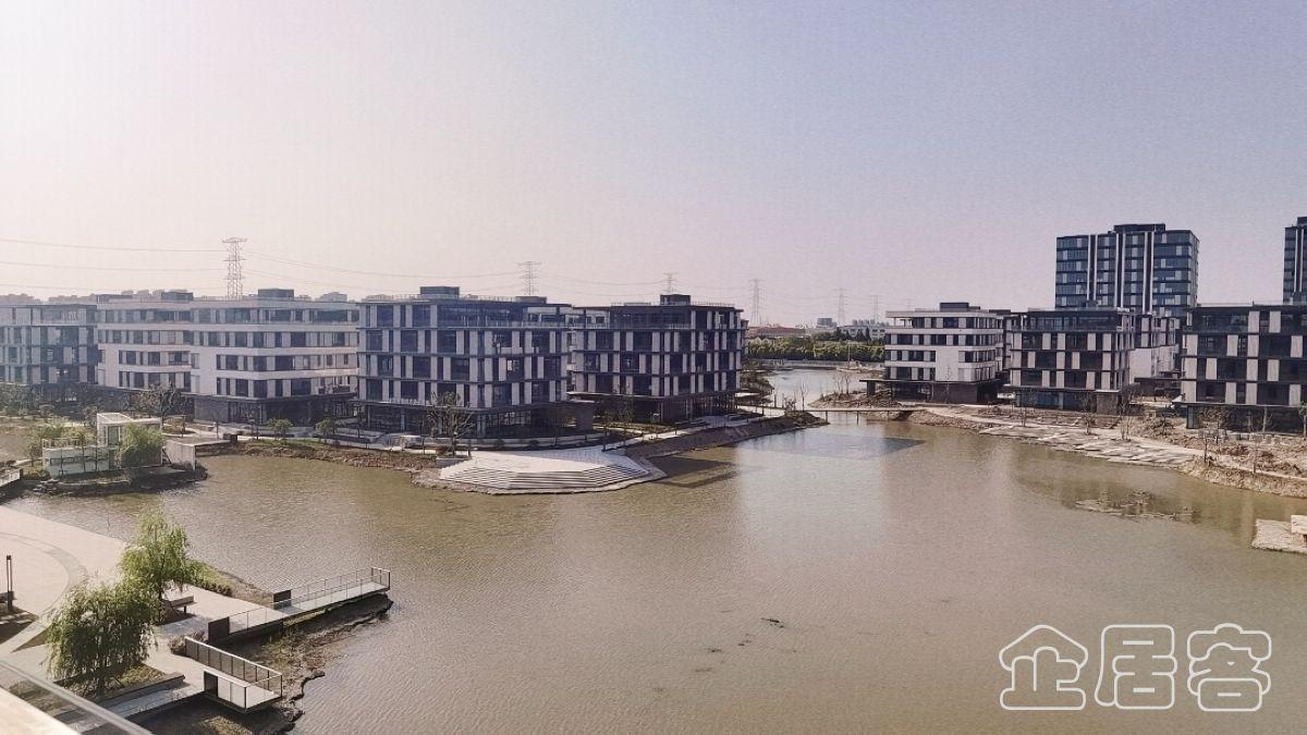 赵巷独栋1545平 精装修 湖景房5层